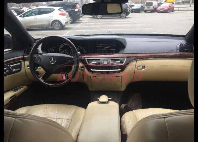 Mercedes w 221 S 550L-4