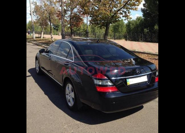 Mercedes w 221 S 550L-3