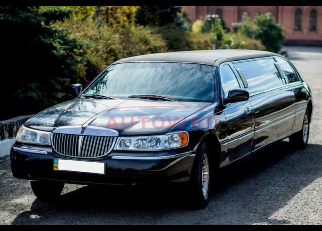 Лимузин LINCOLN Town Car-4