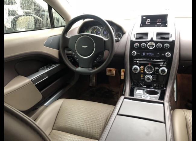 Aston Martin Pride-2