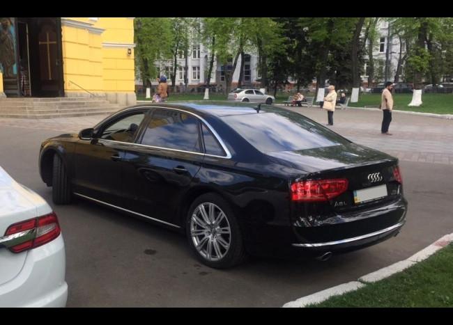 Audi A8 Quattro-2