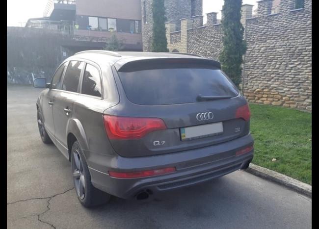 Audi Q7 S line-3