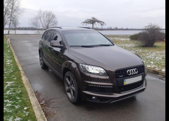 Audi Q7 S line-7