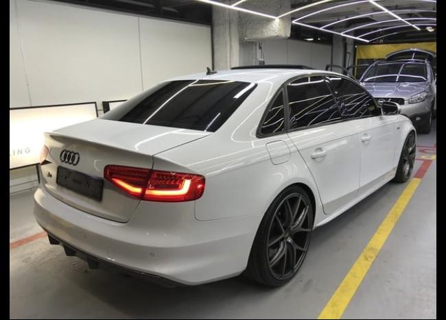 Audi S4-2