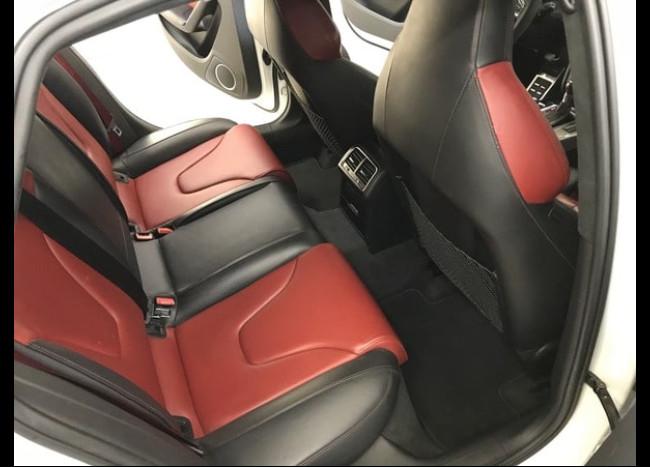 Audi S4-4