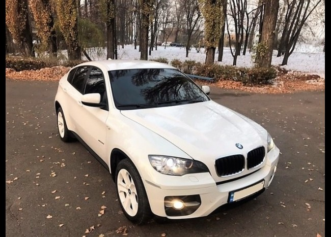 BMW X6 (белый)-1