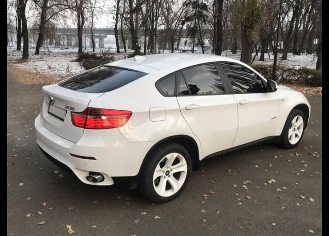 BMW X6 (белый)-3