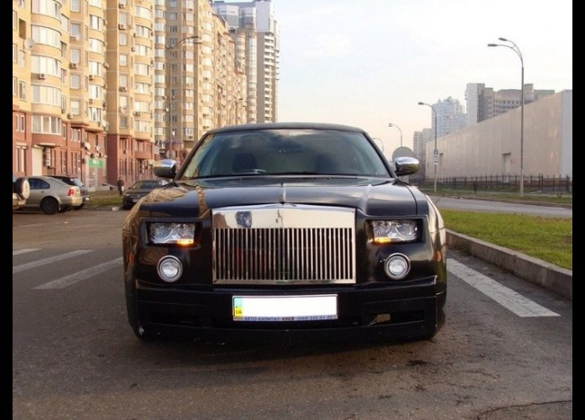 Лимузин Chrysler 300C Rolls-Royce-2