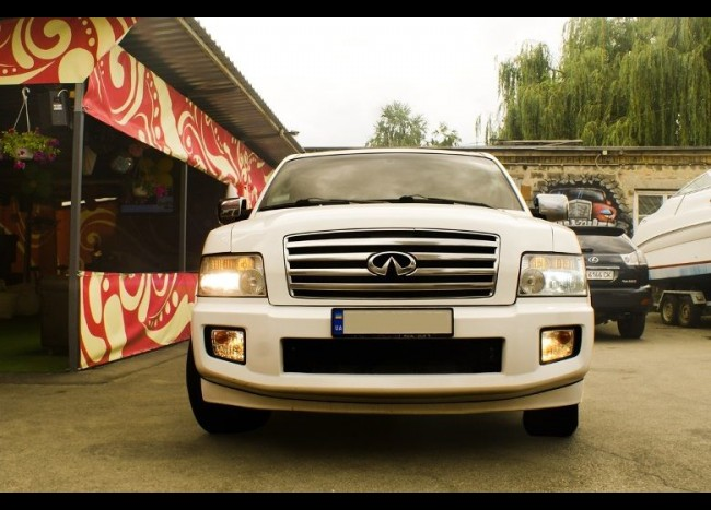 Лимузин INFINITI QX56-2