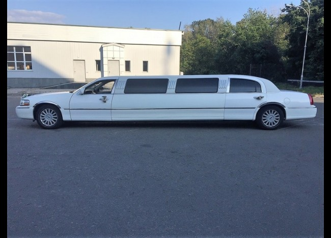 Лимузин Lincoln (белый)-2