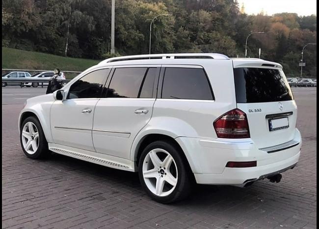 MERCEDES GL 550 (белый)-1