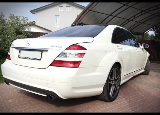 Mercedes w221 S 550L (белый)-2