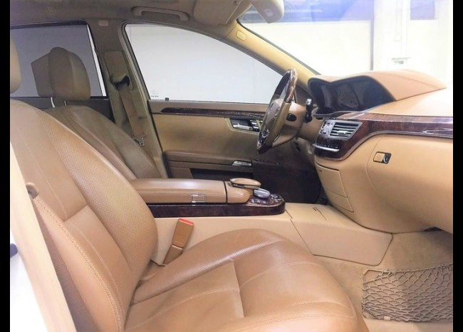 Mercedes w221 S 550L (белый)-5