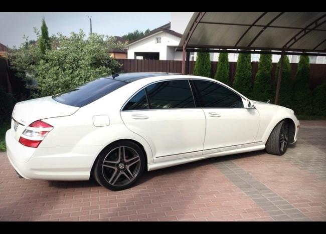Mercedes w221 S 550L (белый)-1