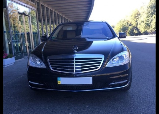 Mercedes w221 S500 (чёрный)