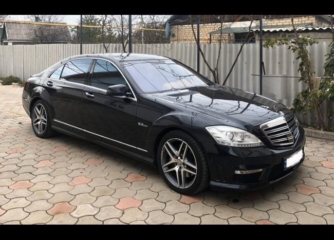 Mercedes w221 S63 AMG-1