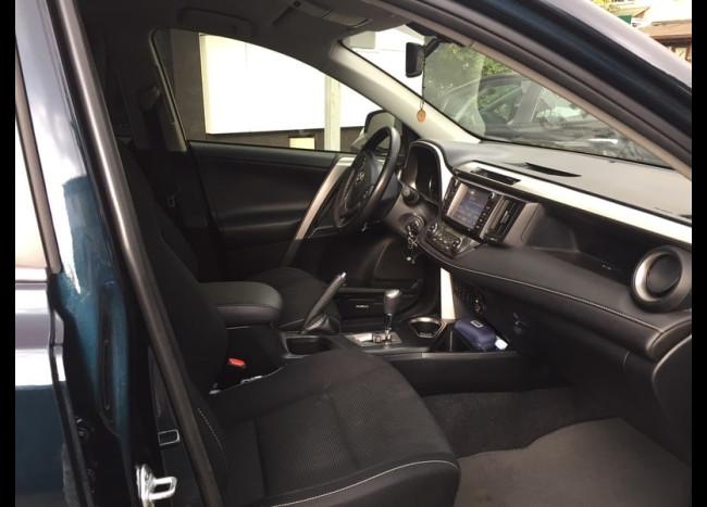 Toyota RAV4-4