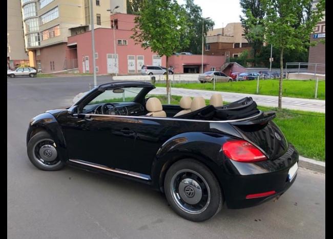 Volkswagen Beetle Cabriolet-3